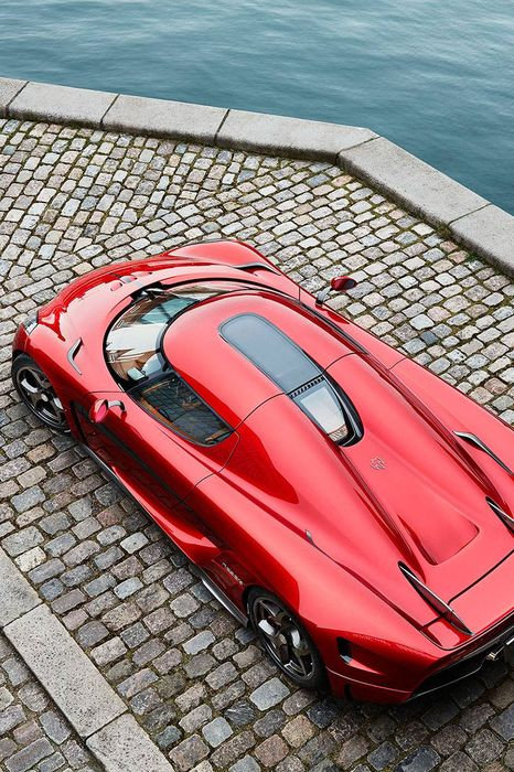 koenigsegg regera red sportscar luxury