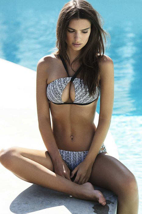 ratajkowski emily swimming pool water swimsuit sexy girl model