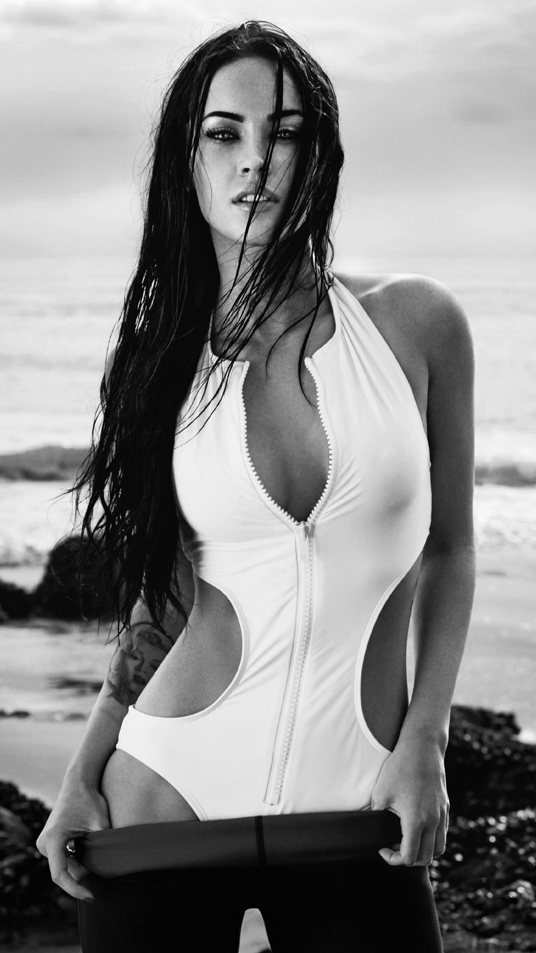 megan fox black white swimsuit maillot bikini sexy model beach attractive body
