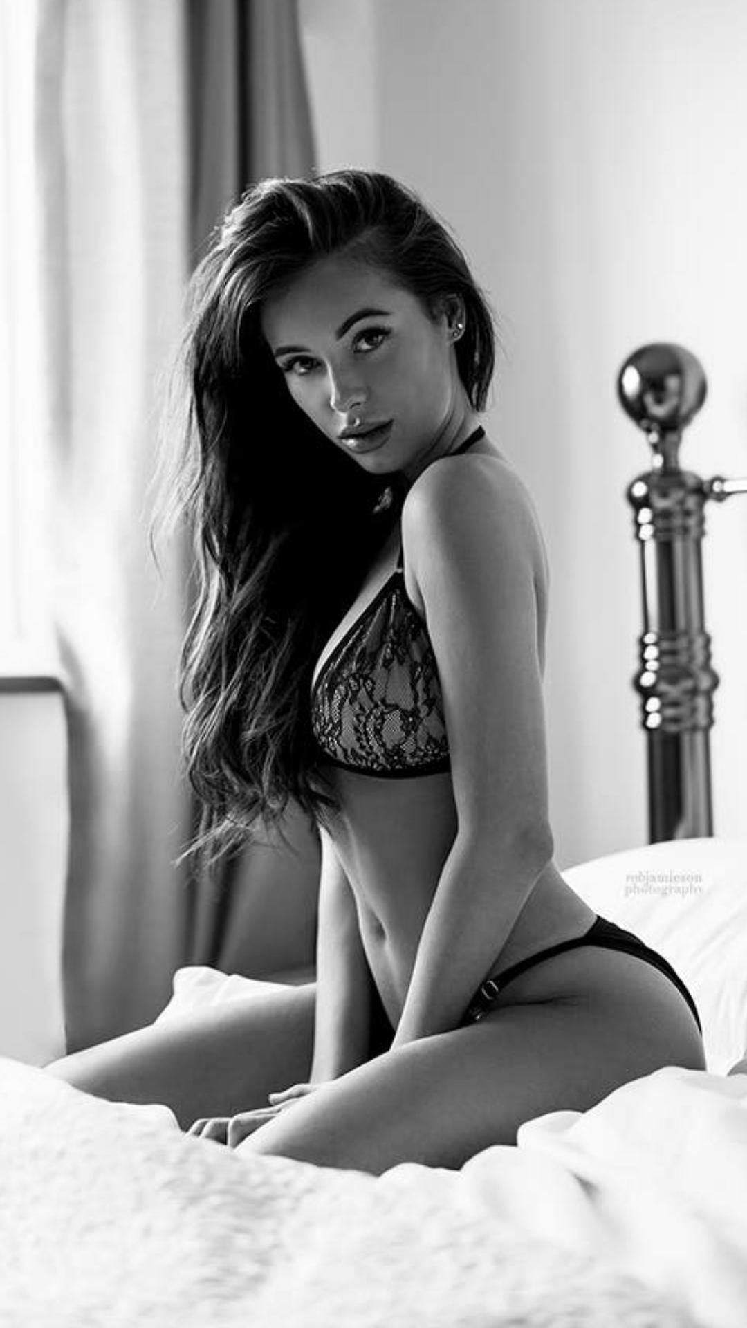 girl sexy fashion lingerie model monochrome beautiful people portrait nude glamour